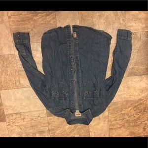 🤩Levi's jeans long sleeve denim shirt 👀